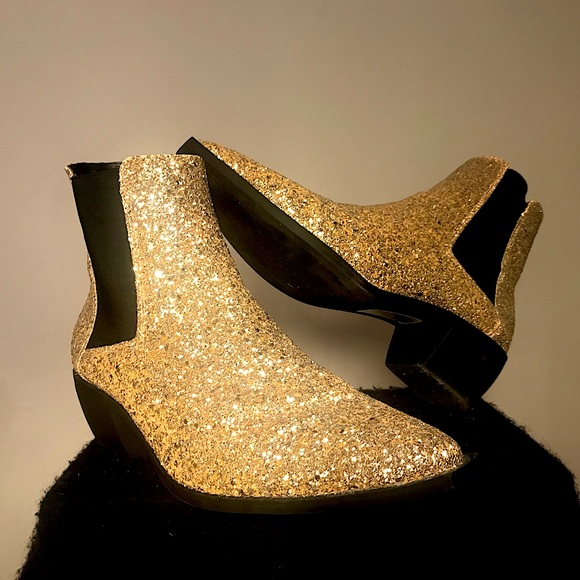 Gold Glitter Glam and Rock